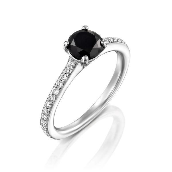 תמונה של טבעת יהלום שחור